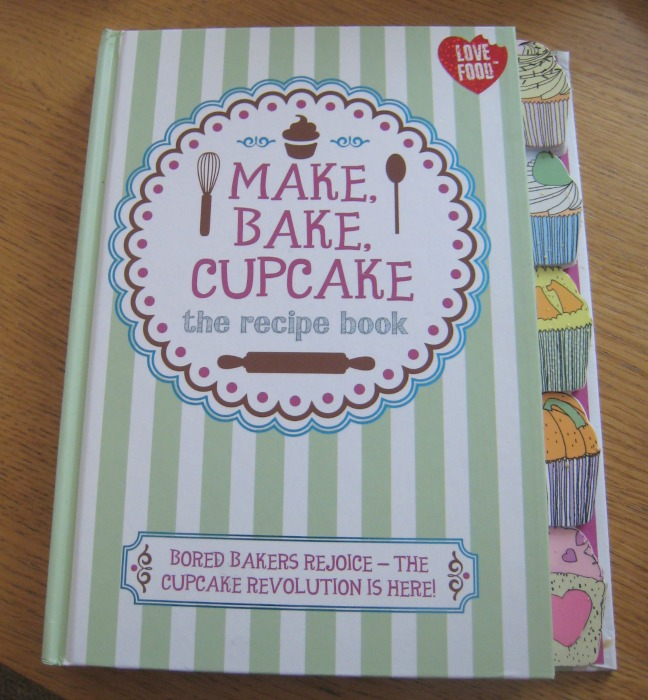 Make bake cupcake from parragons love food range mum friendly make bake cupcake from parragon books forumfinder Image collections
