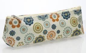 Cancer Research retro cosmetic purse