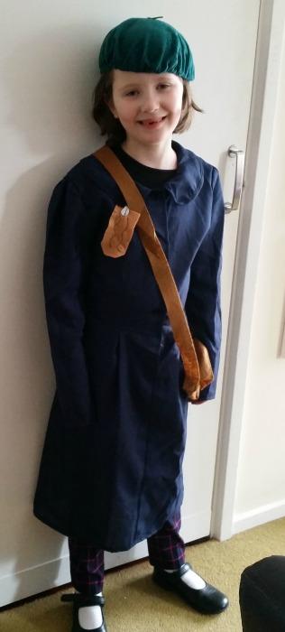 Lucy Pevensie costume idea