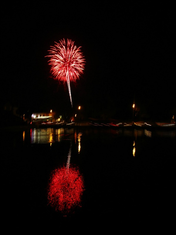 Fireworks at Carshalton Ponds