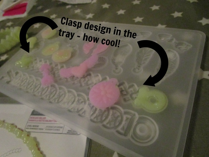 Gel-a-Peel colour change kit showing the clasp design in the tray for precision gel dispensing